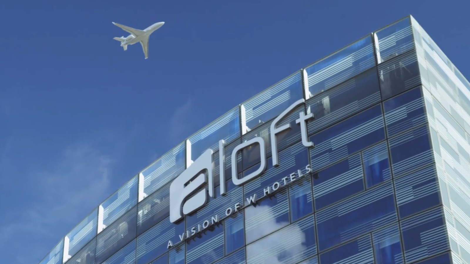 aloft london excel near to london city airport